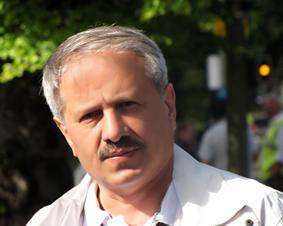 منصور انصاری روزنامه نگار