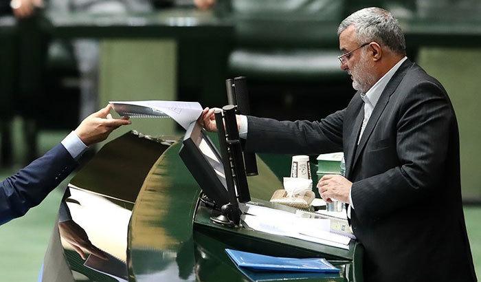 دفاع حجتی در مجلس